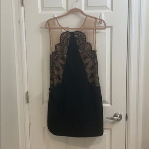 Perfect Holiday/Wedding guest dress!